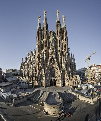 la-sagrada-familia-barcelona-spain-720x859